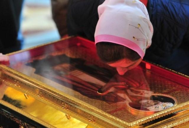 Мощам Николая Чудотворца поклонились 66,5 тыс. верующих