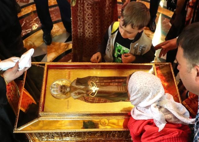 Мощам святителя Николая вПетербурге поклонились 66,5 тысячи человек